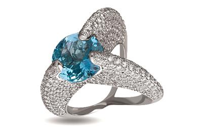 Золотое кольцо 585 пробы с бриллиантами и топазом